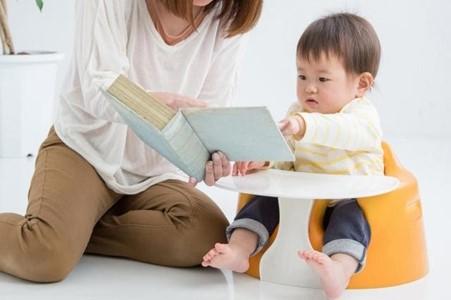0歳児に絵本の読み聞かせは必要?実習前に知っておきたい絵本の疑問