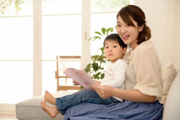 1歳児の発達に合わせて絵本を選ぼう!実習で役立つ絵本6選♪