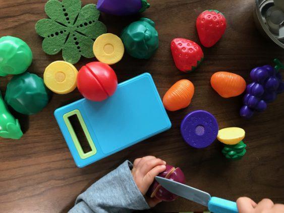≪保育実習に役立つ!≫子どもと おままごと で遊ぶ時のポイント4つ